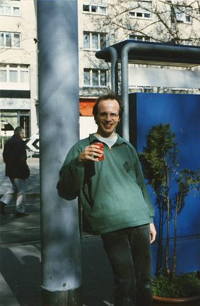 Michael Palomino am Limmatplatz in Zürich,                         1998